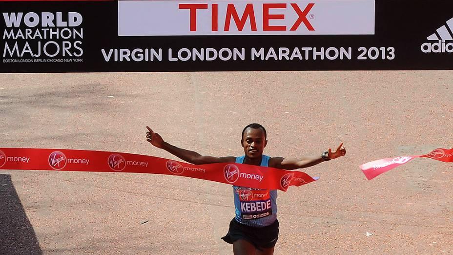 O etíope Tsegaye Kebede venceu a prova masculina com o tempo de 2 horas, 6 minutos e 3 segundos, enquanto na disputa feminina a vencedora foi a queniana Priscah Jeptoo (2h20min23s)