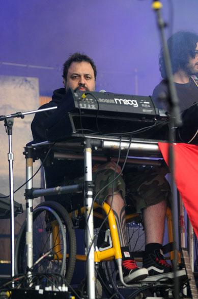 Marcelo Yuka durante o show no palco Sunset com Cibelle, Karina Buhr e Amora Pêra, no segundo dia do Rock in Rio, em 24/9/2011