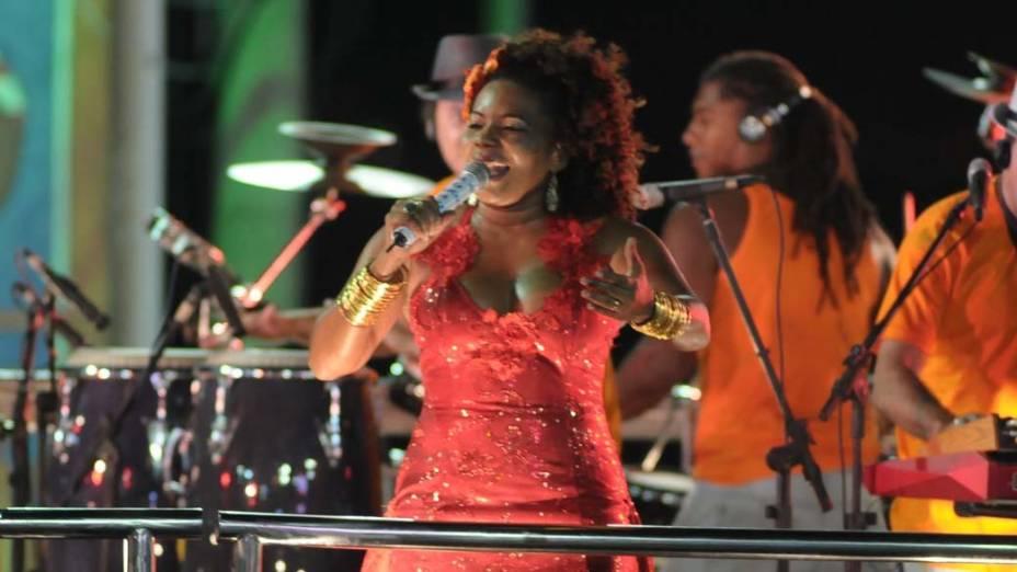Margareth Menezes no carnaval de Salvador, em 20/02/2012