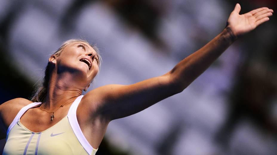 Maria Sharapova vence Caroline Wozniack nesta sexta (07/11), no Gillette Federer Tour