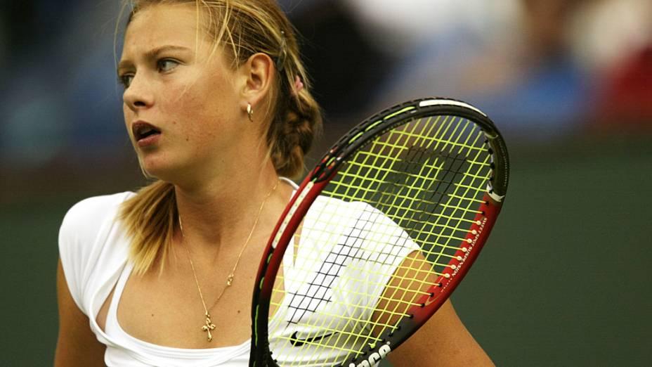 Em partida contra a americana Monica Seles, em Indian Wells, Califórnia, 2002