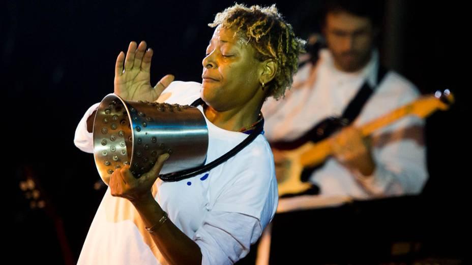 Show da cantora Martnália no palco Luz