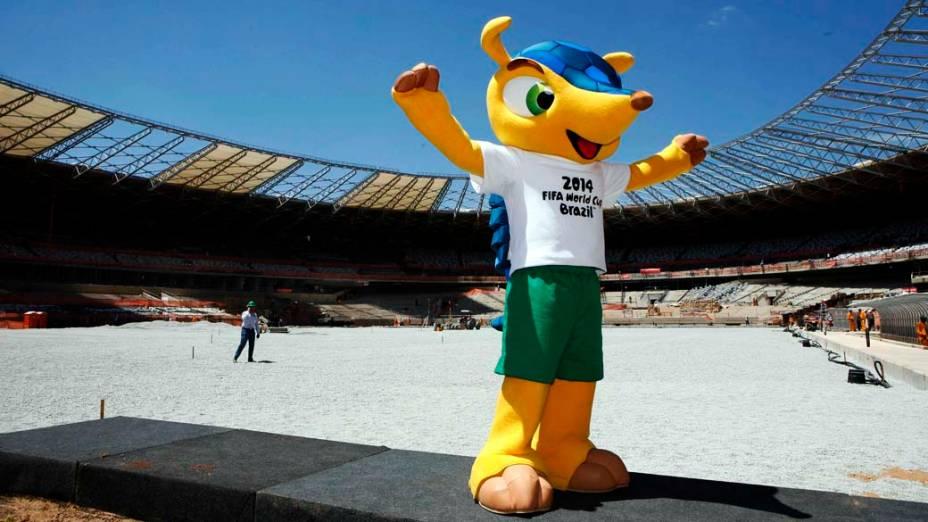 O mascote oficial da Copa do Mundo 2014 no Mineirão em Belo Horizonte