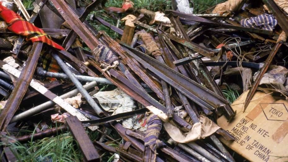 Ferros utilizados como armas pelo presos durante o confronto com os policiais no massacre do Carandiru, em outubro de 1992