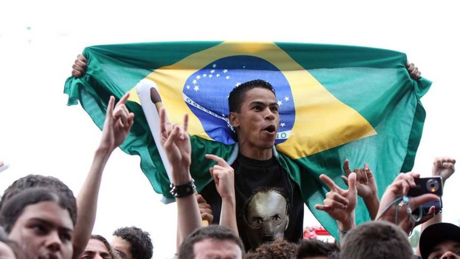 Público durante show da banda Matanza e BNegão no palco Sunset, no terceiro dia do Rock in Rio, em 25/09/2011