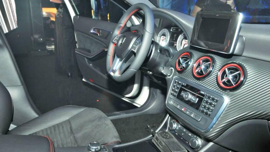 Monovolume A200 vem com motor de quatro cilindros, 1.6 turbo, com 156 cavalos de potência