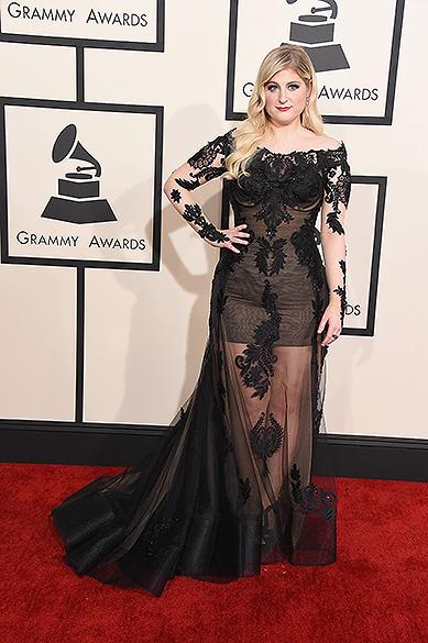 Meghan Trainor durante 57ª edição do Grammy, premiação que elege os melhores da música internacional, que acontece neste domingo (08)