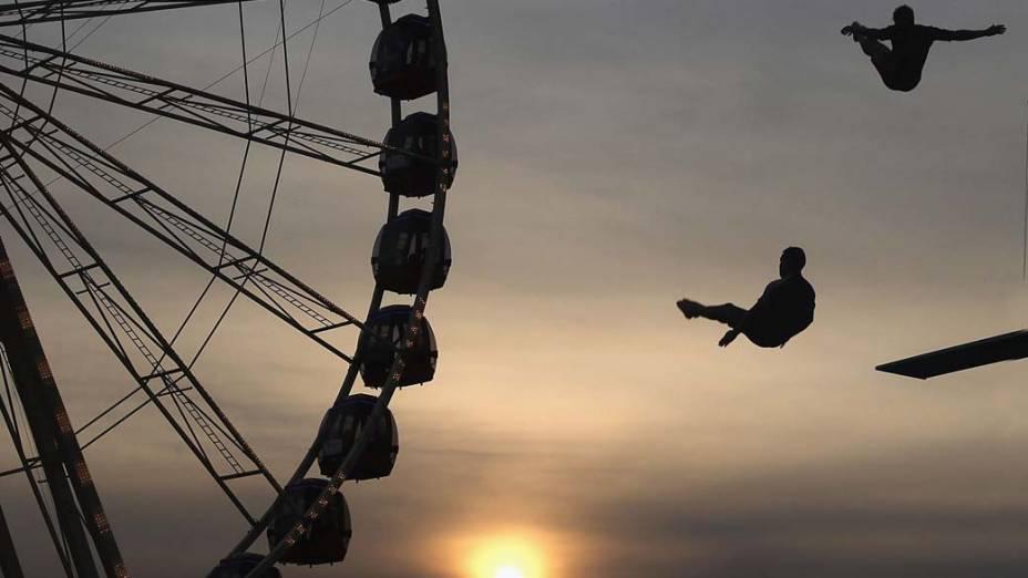 Dupla suíça de salto ornamental, The Oliver's, se apresenta na Royal Melbourne Show, evento agrorural que ocorre desde 1848 na Austrália
