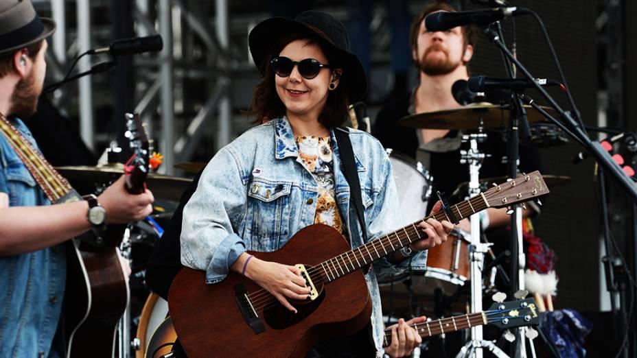 A banda de indie Of Monsters And Men durante show no palco Butantã