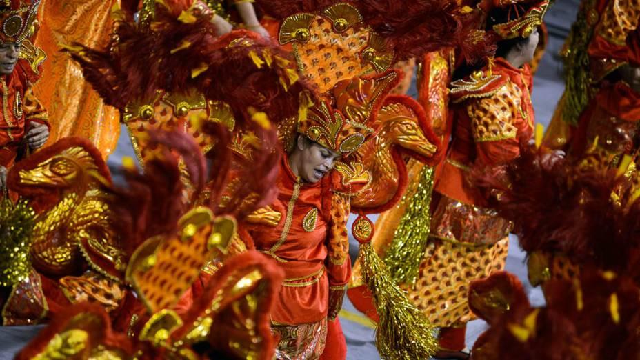 Desfile da escola de samba da X-9 Paulistana, no Anhembi