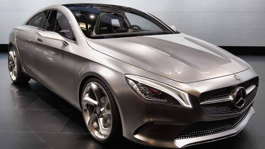 Mercedes-Benz CSC (Concept Style Coupe): deve ter  motor a gasolina com 211 cavalos, tração integral e transmissão automática de sete marchas com embreagem dupla