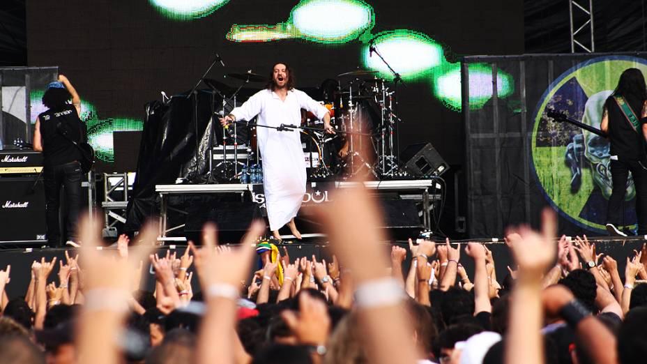 Banda israelense Orphaned Land se apresenta no Metal Open Air