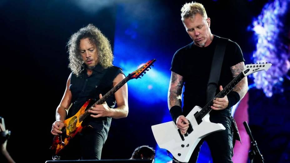 Kirk Hammett e James Hetfield durante o show do Metallica no palco Mundo, no terceiro dia do Rock in Rio, em 25/09/2011