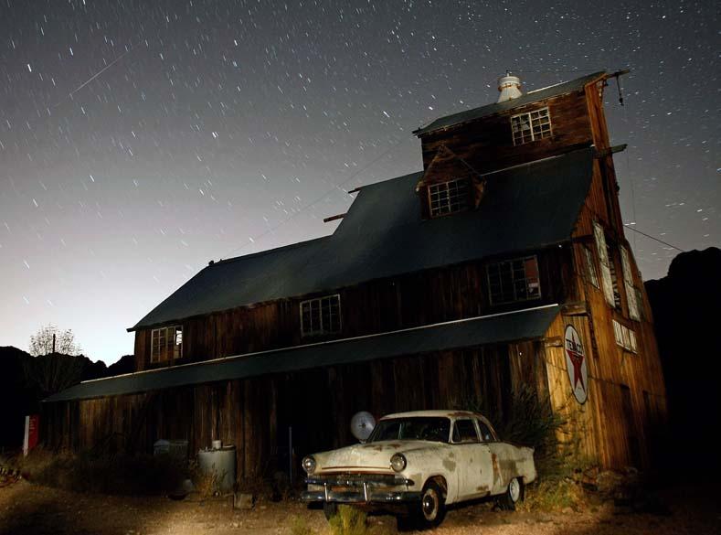 Chuva de meteoros em Nevada, nos Estados Unidos. Nesta madrugada,  diversos países puderam presenciar o fenômeno que acontece há mais de dois mil anos, sempre no mês de agosto