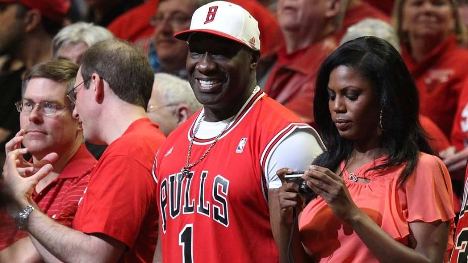 Michael Clarke Duncan durante partida da NBA em Chicago