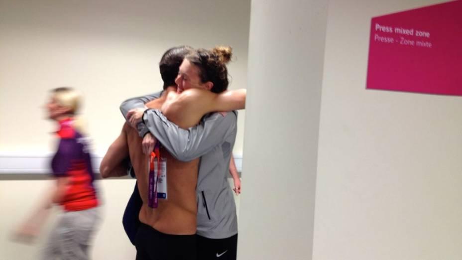 Phelps nos bastidores do Centro Aquático do Parque Olímpico de Londres, depois da vitória histórica e do recorde de medalhas: satisfação reconquistada