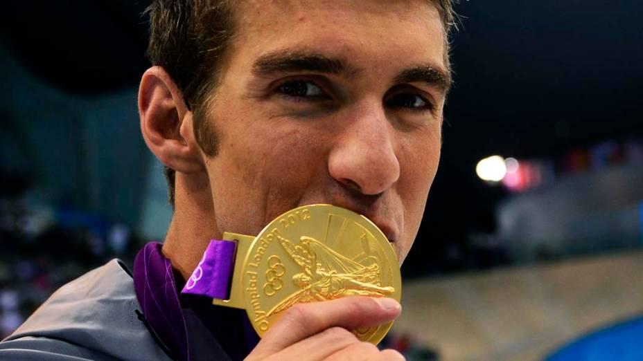 Michael Phelps com a 22ª medalha de sua carreira ganha na prova 4x100m medley durante as Olimpíadas de Londres, em 04/08/2012
