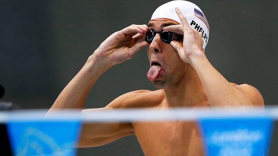Michael Phelps dos EUA se prepara para a prova dos 200m medley dos Jogos Olímpicos de Londres, em 01/08/2012