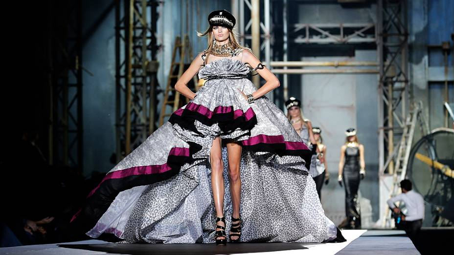Desfile da DSquared2 durante semana da moda de Milão (Verão 2013)