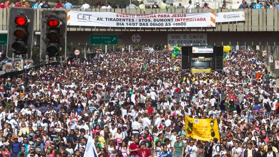 Milhões de evangélicos acompanham a Marcha para Jesus