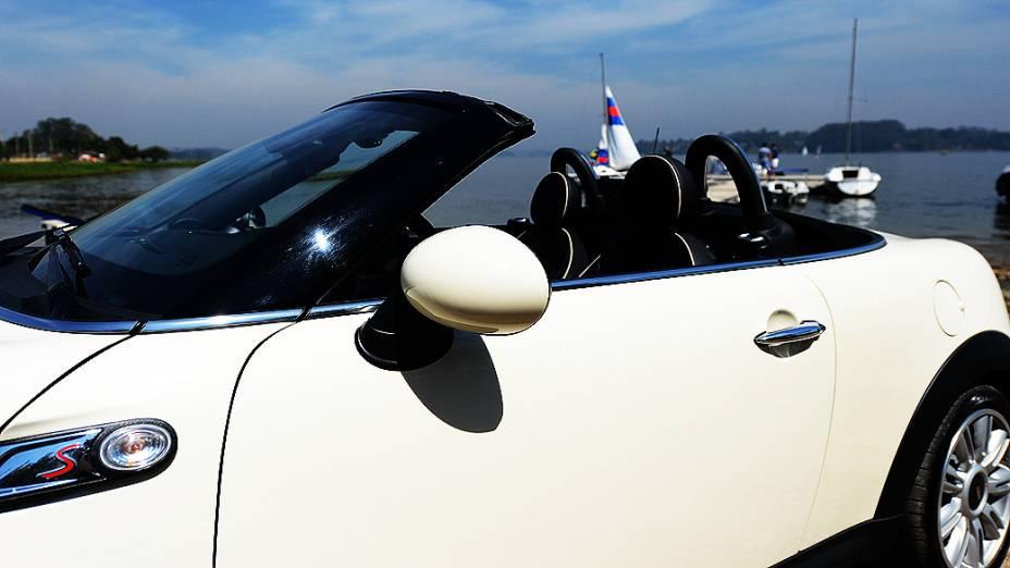 Detalhe do Mini Cooper S Roadster, conversível para duas pessoas