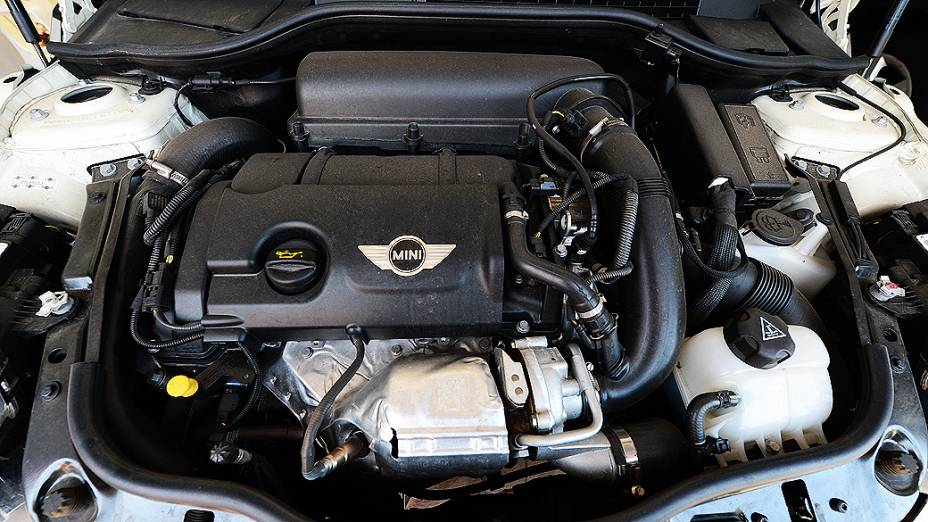 Motor 1.6, 16V, turbo, com 184 cavalos de potência