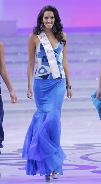 Miss Espanha,Aranzazu Estévez Godoy, desfila no concurso