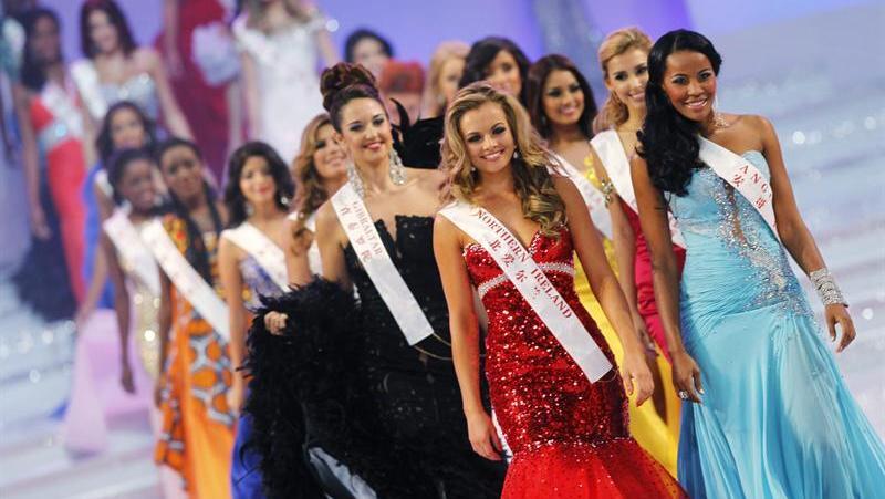 Candidatas participam da final do Miss Mundo, que aconteceu no estádiode Ordos, na China