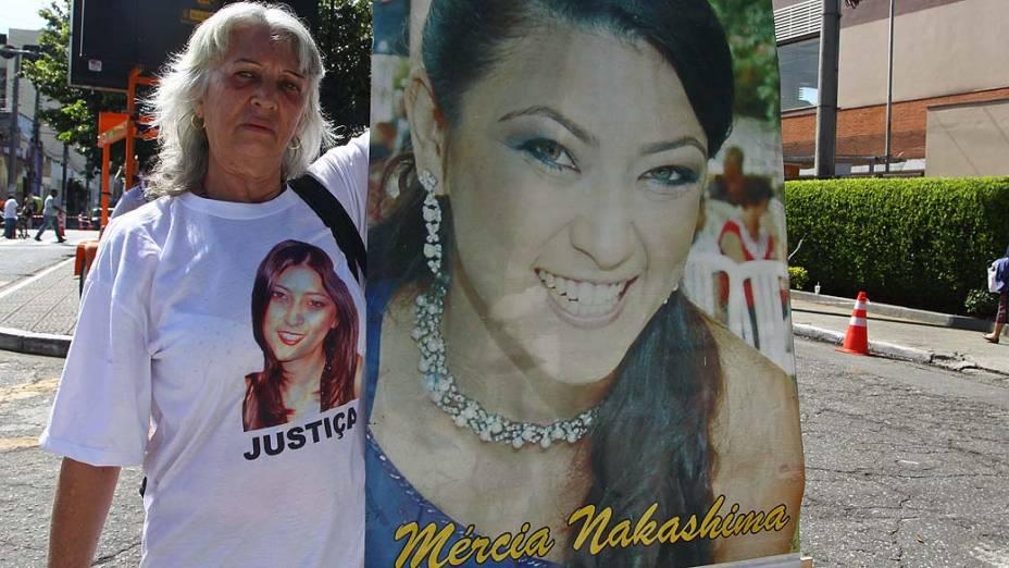 A prima de Mércia, Solange durante julgamento do advogado e policial militar reformado, Mizael Bispo, no Fórum Criminal de Guarulhos, na Grande São Paulo, nesta terça-feira (12). Mizael é acusado de matar a advogada Mércia Nakashima, em 23 de maio de 2010, na cidade de Nazaré Paulista