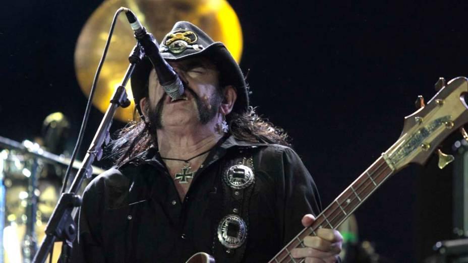 O vocalista Lemmy Kilmister durante o show do Motörhead no palco Mundo, no terceiro dia do Rock in Rio, em 25/09/2011