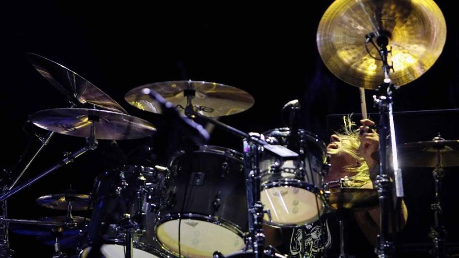 O baterista Mikkey Dee durante o show do Motörhead no palco Mundo, no terceiro dia do Rock in Rio, em 25/09/2011
