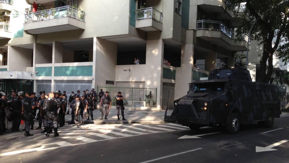 Movimentação policial nas ruas do Rio de Janeiro