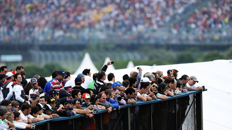 Torcida comparece ao GP do Brasil, em São Paulo