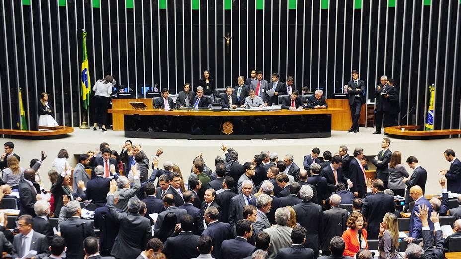 Sessão para aprovar a MP dos Portos na Câmara dos Deputados durou mais de 20 horas