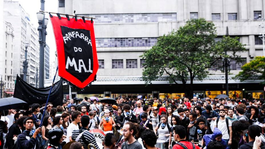 Manifestação do Movimento Passe Livre (MPL) contra o preço da tarifa, em São Paulo