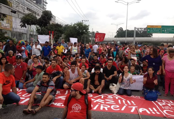 MTST interdita Marginal Pinheiros em São Paulo