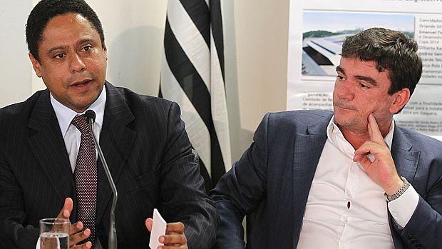 Orlando Silva, então ministro do Esporte, e Andrés Sanchez, na época presidente do Corinthians, numa reunião sobre a Copa do Mundo de 2014