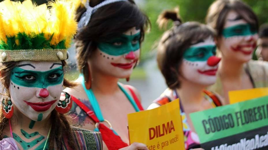Ativistas durante protesto contra medidas ambientais durante a Rio+20