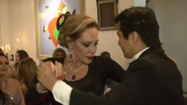 Regina Manssur dança tango em festa