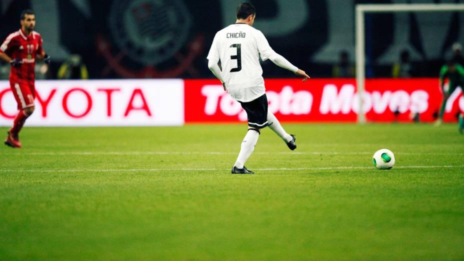 Zagueiro Chicão do Corinthians durante partida contra o Al Ahly pela semifinal do Mundial de Clubes da Fifa em Toyota