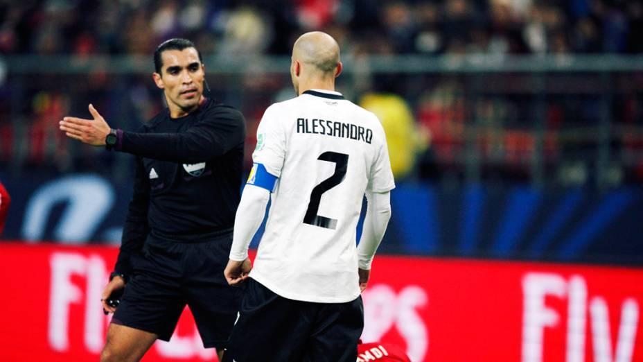 Alessandro capitão da equipe do Corinthians, durante partida contra o Al Ahly pela semifinal do Mundial de Clubes da Fifa em Toyota