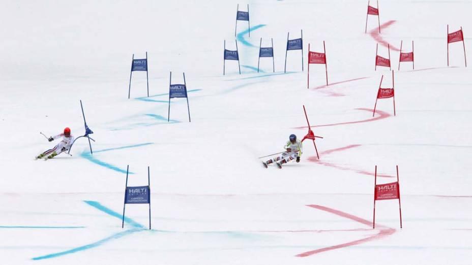 Disputa das quartas de final do Mundial de Esqui na Alemanha