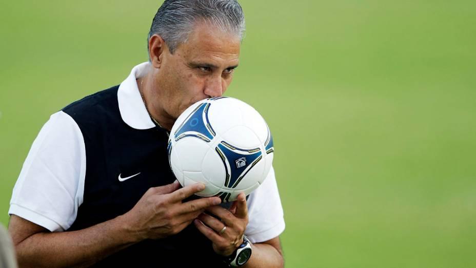Tite comanda o treino do Corinthians em Dubai