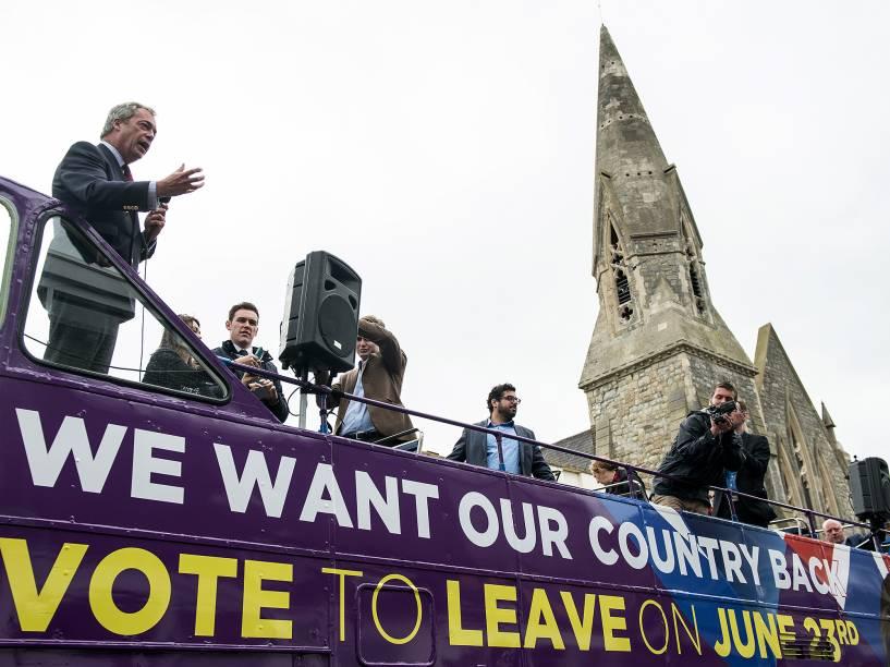 Membros do Partido Trabalhista fazem campanha contra a permanência do Reino Unido na União Europeia, na cidade de Sittingbournem, na Inglaterra