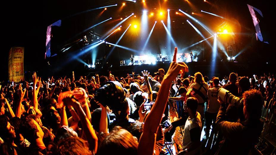 Público assiste ao show da banda Muse no Festival Lollapalooza 2014, no Autódromo de Interlagos, em São Paulo