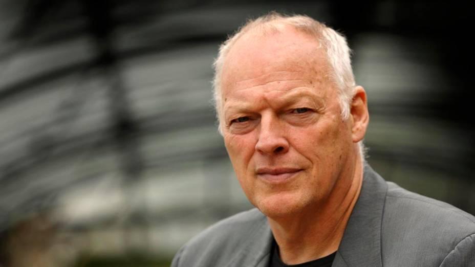 David Gilmour, líder do Pink Floyd, recrutou a banda para doar recursos ao War Child, que ajuda crianças residentes em zonas de conflito.