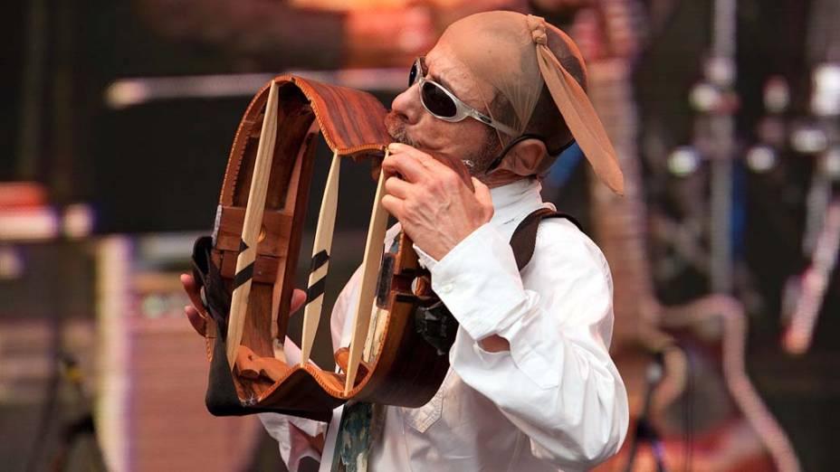 Show de Tom Zé e Mutantes no palco Sunset, no último dia do Rock in Rio, em 02/10/2011