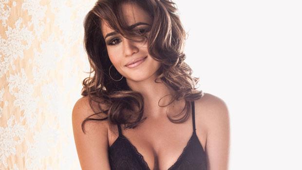 Nanda Costa posa para ensaio da Playboy publicado na edição de abril