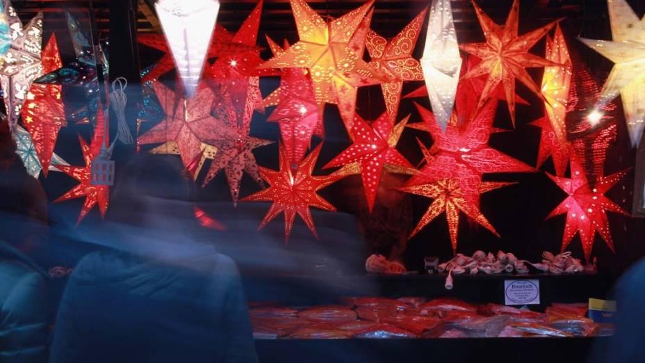 Decoração de Natal num mercado da Bavária, Alemanha