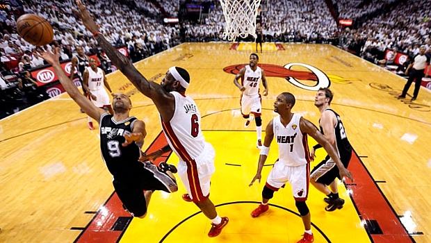 Tony Parker e LeBron James: protagonistas do duelo mais interessante do primeiro jogo da final